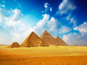 "ALT= ""Pyramid"""